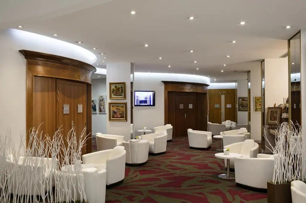 Organisez vos évènements 2022 dans un cadre d'exception au sein de notre hôtel 4 étoiles Vacances Bleues Business Le Splendid, à Dax