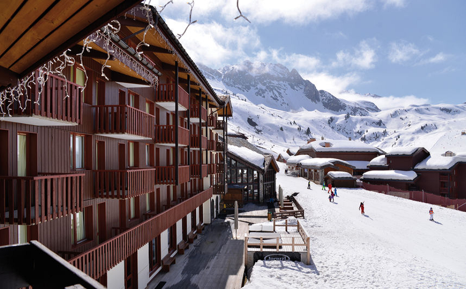 Prenez de la hauteur lors d'un séminaire ludique à la montagne, au sein de l'hôtel Vacances Bleues Belle Plagne en cœur de station